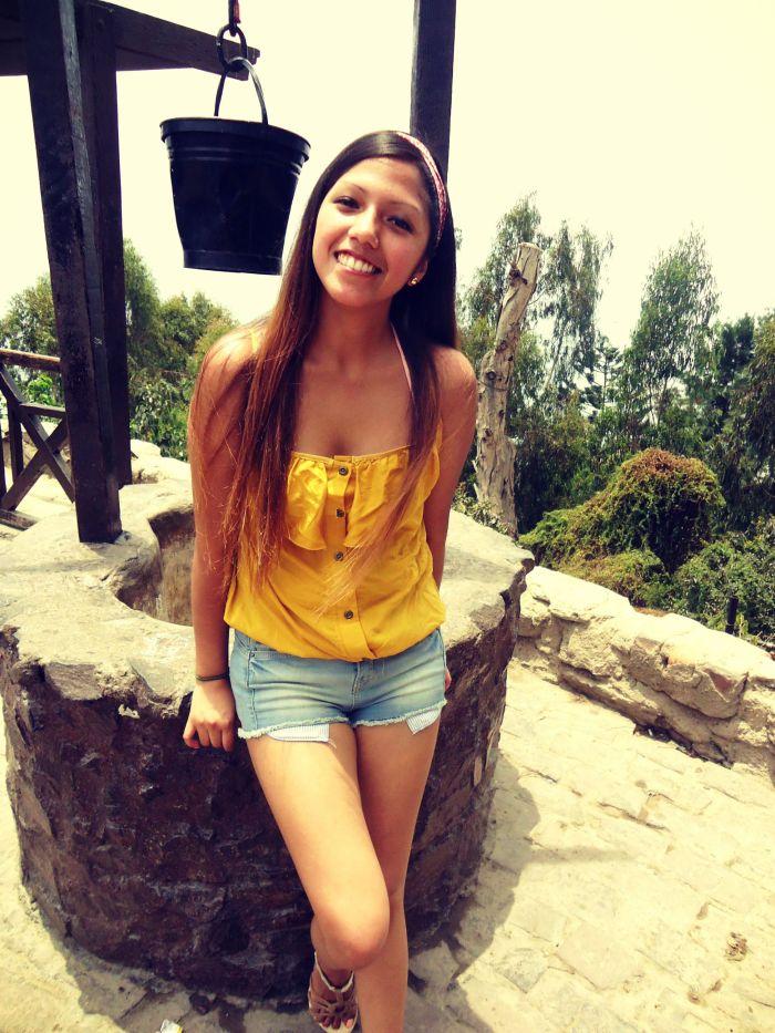 kitykatblog blusa amarilla