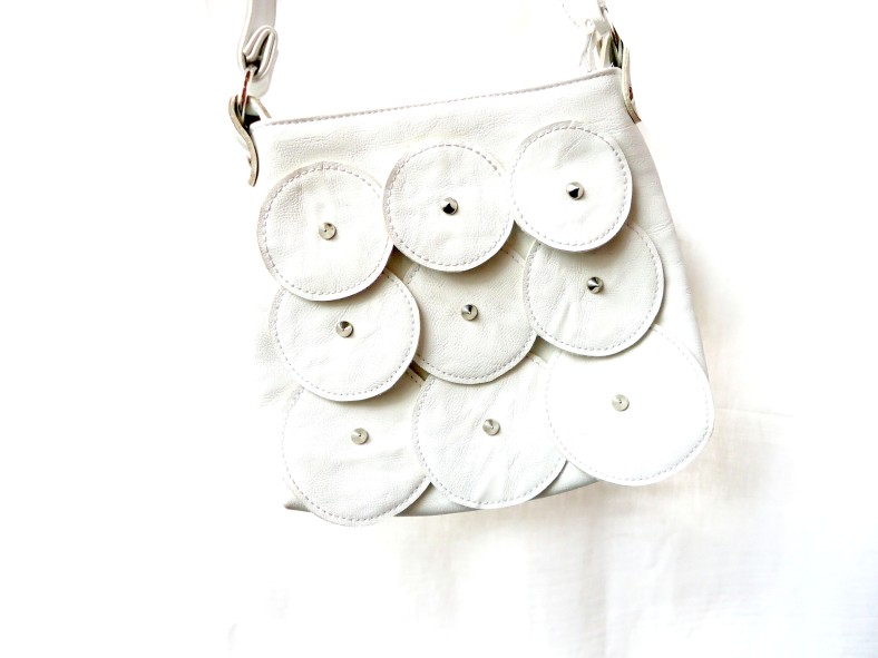 cartera blanca